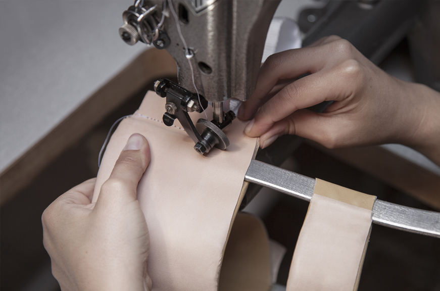 Aparelho longo com trancador de anel - ortotese por medida - KAFO - O-LAB - costura - construção - correeiro